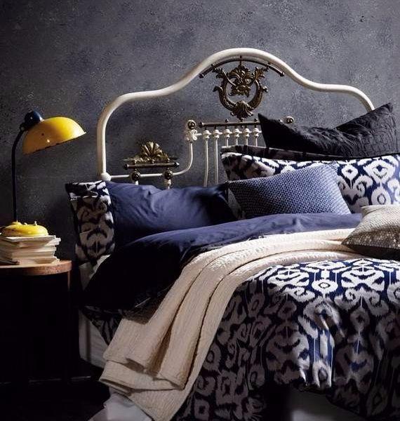 Good Spooky Bedroom Decor With Subtle Halloween Atmosphere_07