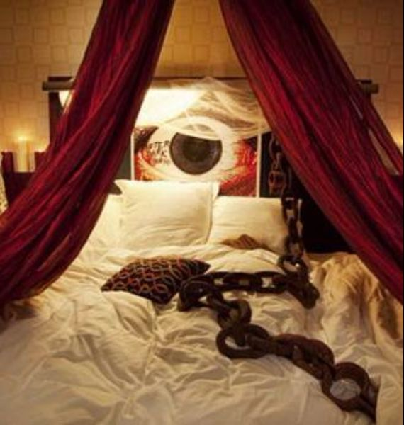 30 Spooky Bedroom Décor Ideas With Subtle Halloween