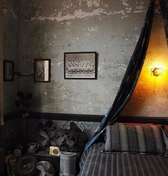 spooky-bedroom-decor-with-subtle-halloween-atmosphere_11