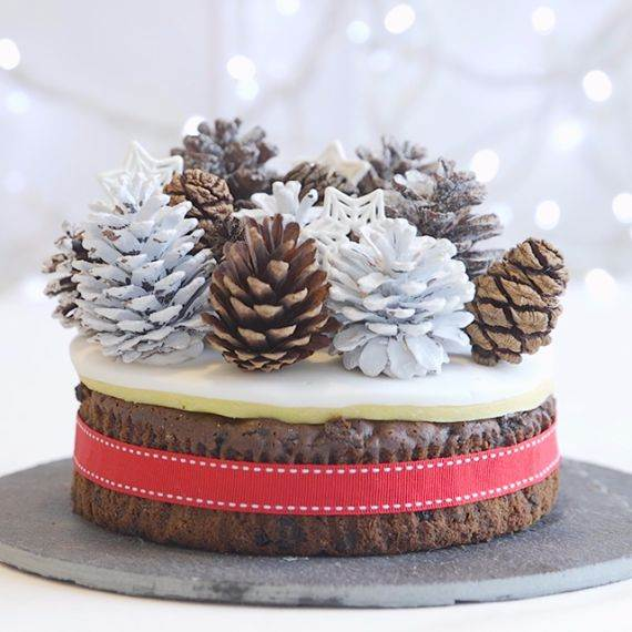 winter-woodland-christmas-cake