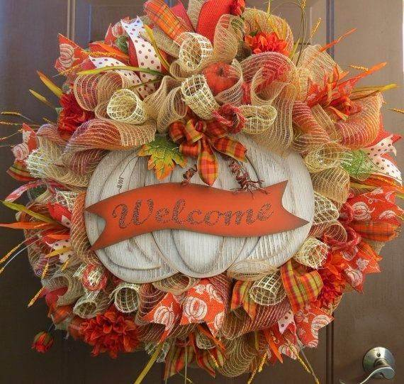 fall-deco-mesh-wreath-ideas-diy-thanksgiving-decorating-ideas-deco-mesh-ribbons