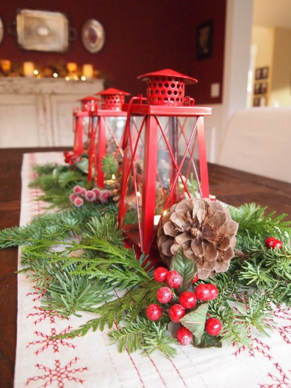 Christmas-Centerpiece-with-Lantern