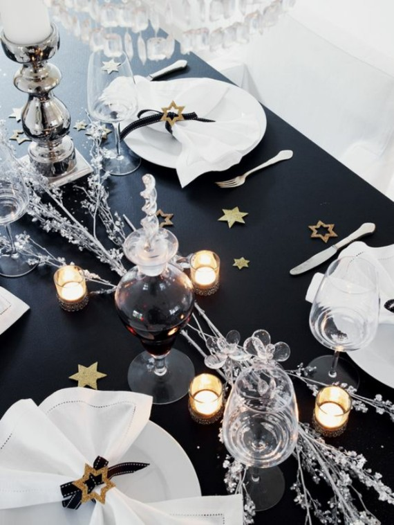 Modern Christmas Table Ideas And Styles In Black