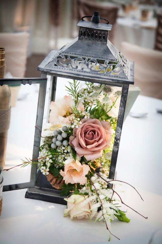 INSPIRED FLOWERS IN LANTERNS DÉCOR;