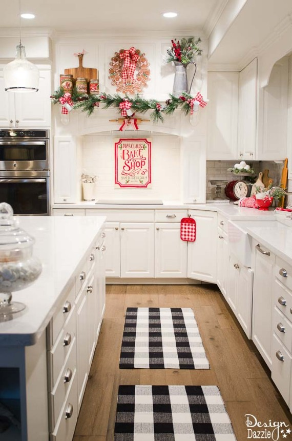 Welcoming And Festive Christmas Kitchen Décor