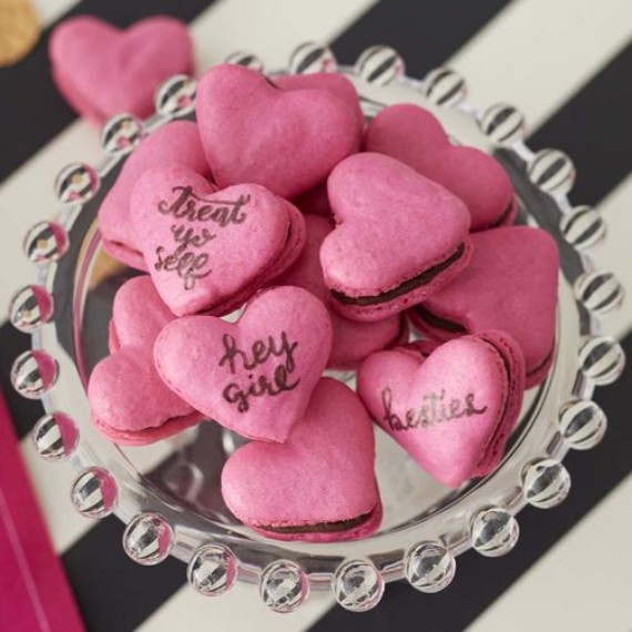HEART FRENCH MACARON COOKIES