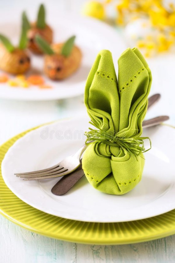 easter-table-setting-napkin-folded-as-bunny-colourful-bright-festive-vintage-silveware-shaped-green-white-plate