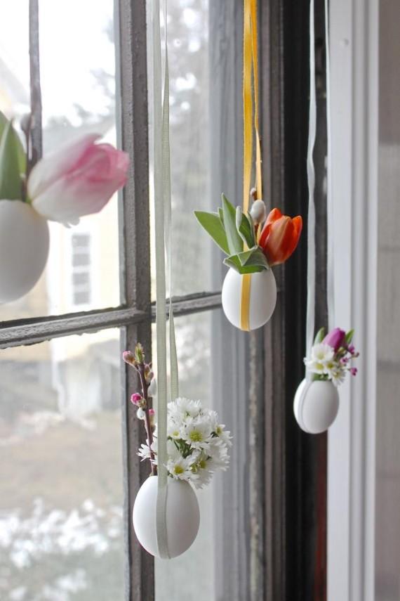 http://www.familyholiday.net/creative-easter-egg-shell-decorations/hanging-easter-posies-easter-egg-vases-1/