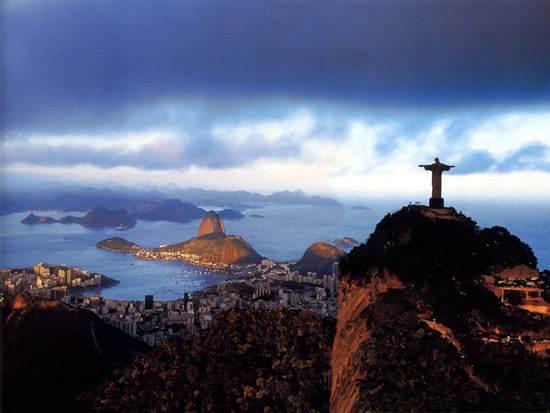 brazil-christ-the-redeemer-statue-9