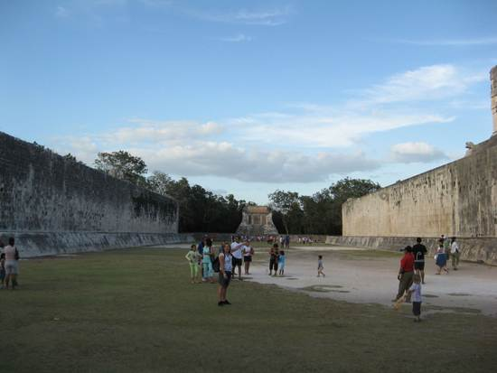 chichen-itza-great-ball-court