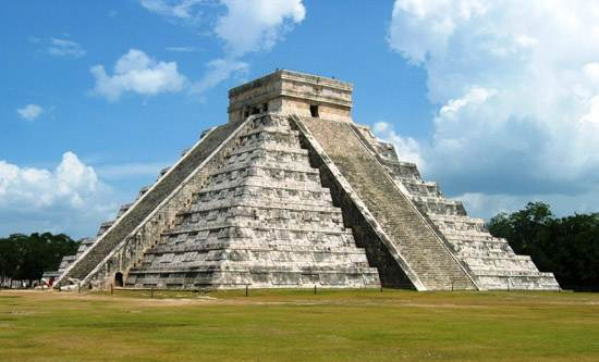 kukulcan-the-main-temple-at-chichen-itza