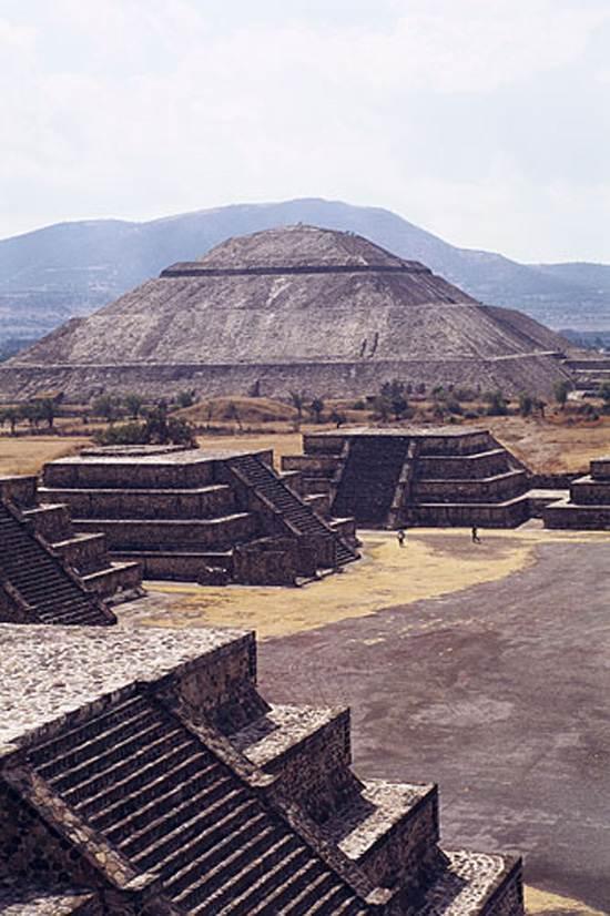 pyramid-sun
