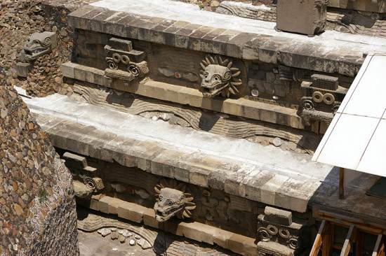 teotihuacan-temple-of-the-feathered-serpent