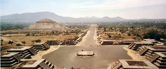 teotihuacan-wide-view-from-pyramid-of-the-moon