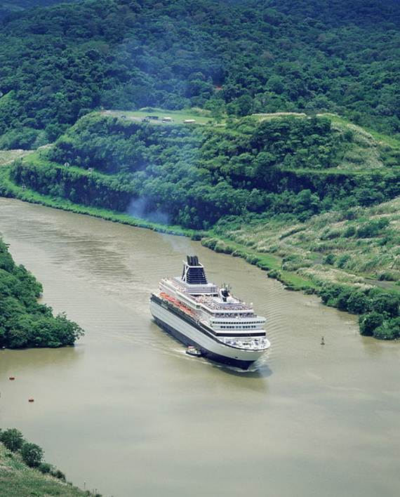 7-wonders-of-the-world-panama-canal_01