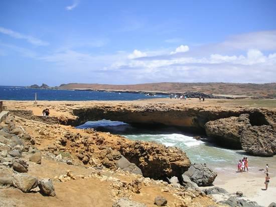 dutch-caribbean-island-paradise-on-the-abc-islands-aruba-4