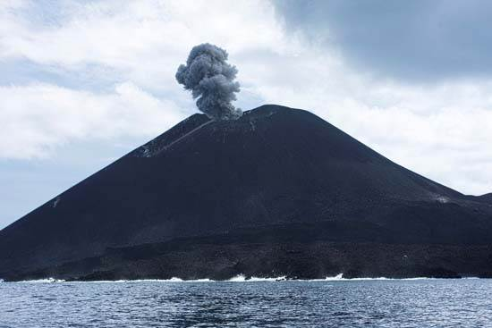indonesia-krakatoa-4