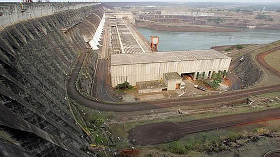 itaipu-dam-a-seven-wonder-of-the-world-brazil-10