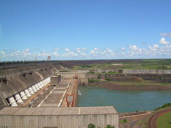 itaipu-dam-a-seven-wonder-of-the-world-brazil-3