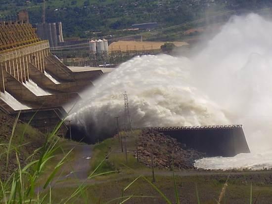 itaipu-dam-a-seven-wonder-of-the-world-brazil-9