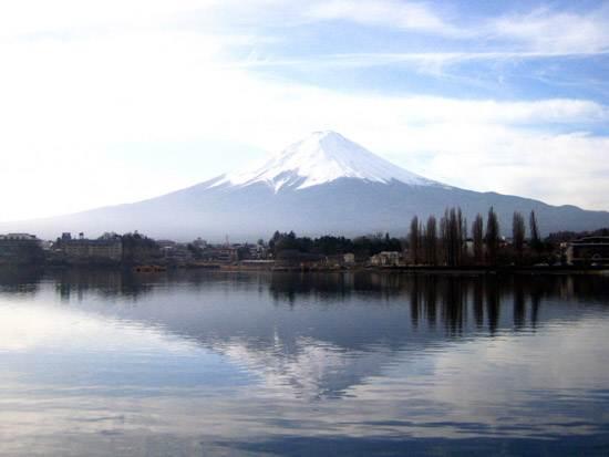 japan-mount-fuji-the-holy-mountain-12