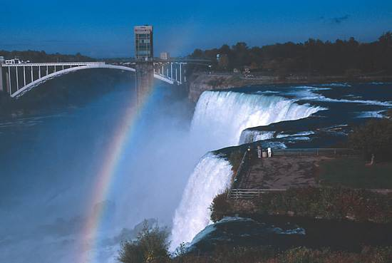 niagara-falls-a-natural-wonder-1