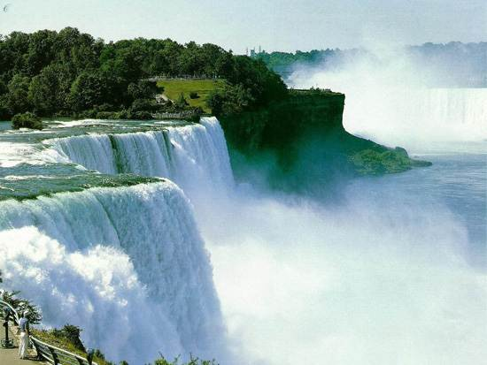 niagara-falls-a-natural-wonder-2