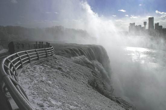 niagara-falls-a-natural-wonder-8