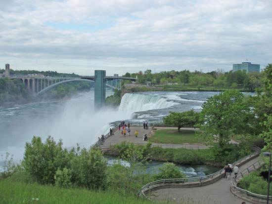niagara-falls-a-natural-wonder-9