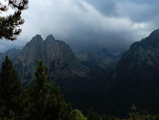 pyrenees-mountain-16