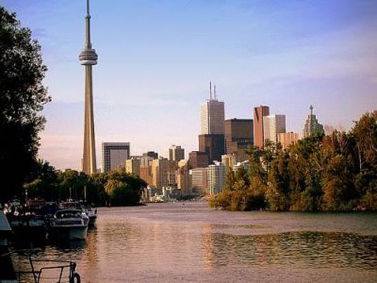 toronto-canada-the-cn-tower-13