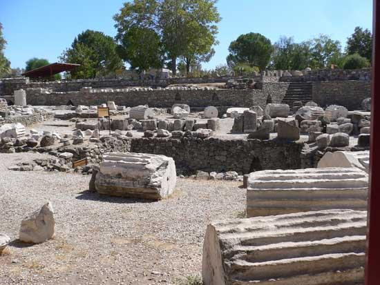 remains-of-the-mausoleum-of-halicarnassus-in-bodrum-5