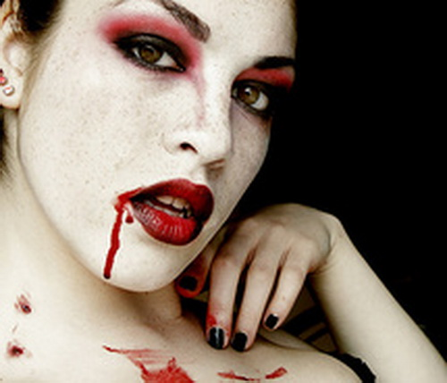 Hairstyles and Makeup Ideas For Vampires , family holiday