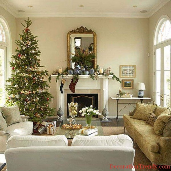 Beautiful Christmas Tree Decorating Ideas for A Holiday Tradition_04