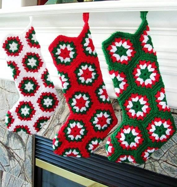 Elegant-Christmas-Stockings-Holiday-Crafts_04