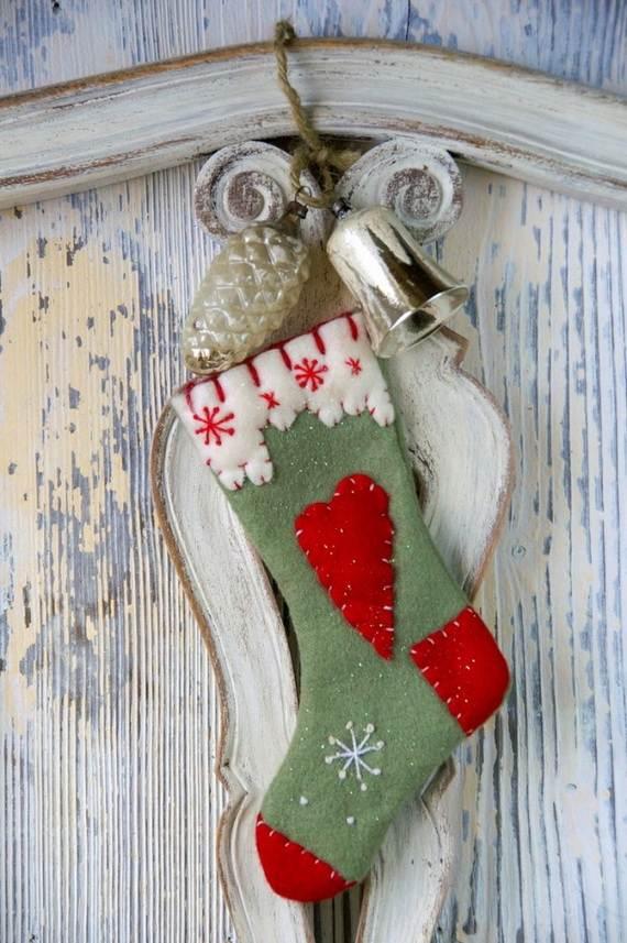 Elegant-Christmas-Stockings-Holiday-Crafts_13