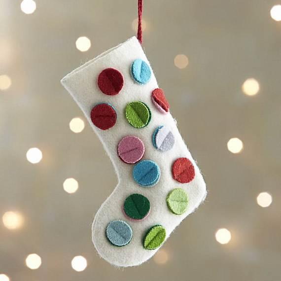 Elegant-Christmas-Stockings-Holiday-Crafts_22