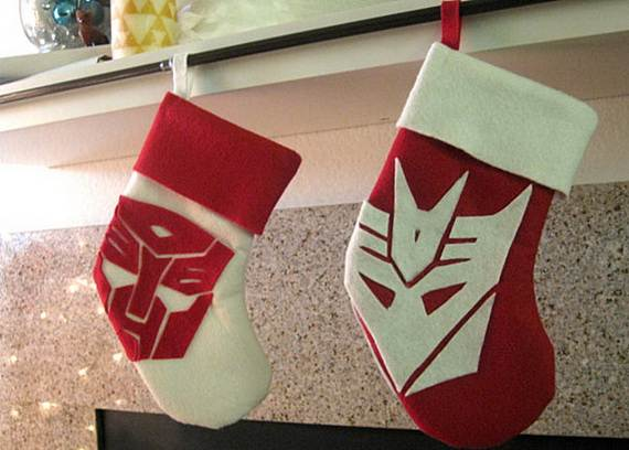 Elegant-Christmas-Stockings-Holiday-Crafts_23