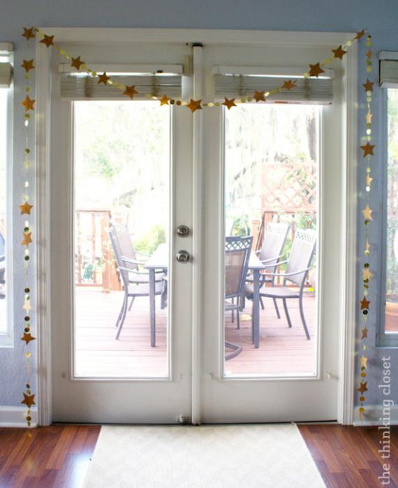 Holiday lodging Wreath and Garland_0019