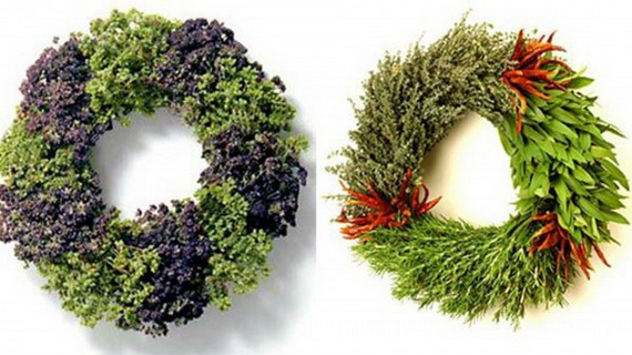 Holiday lodging Wreath and Garland_15