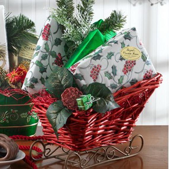 Traditional Christmas Gift Basket Idea_08
