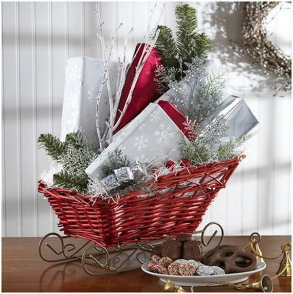 Christmas Gift Baskets For Families: Traditional Christmas Gift Basket Idea