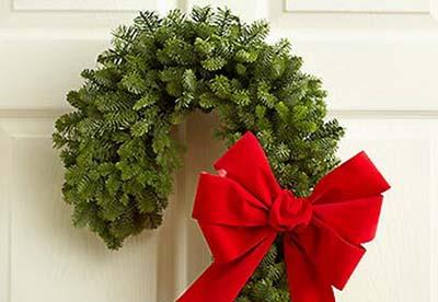 Holiday lodging Wreath and Garland
