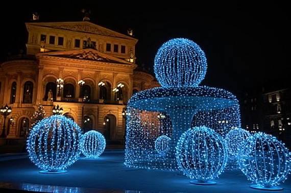 Fantastic-Christmas-Holiday-Lights-Display_62