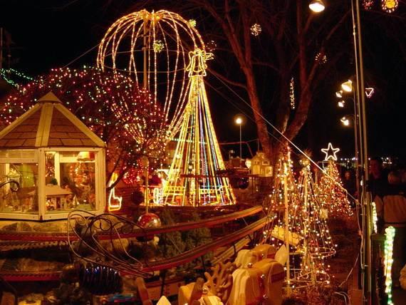 Fantastic-Christmas-Lights-Display_10