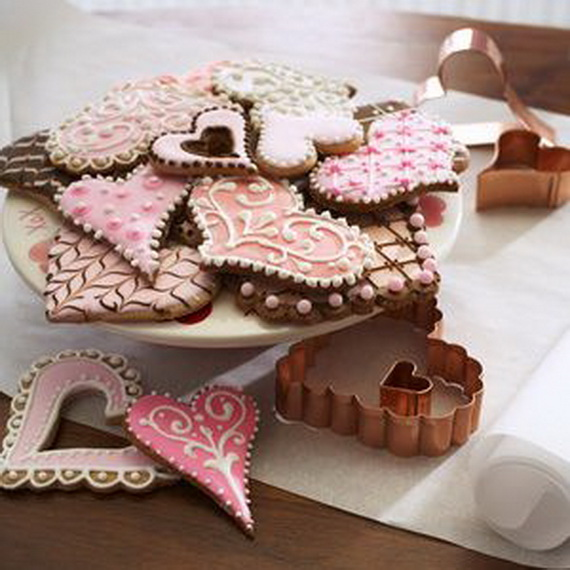 Iced, Decorated, and Shaped Cookies for Holidays_04