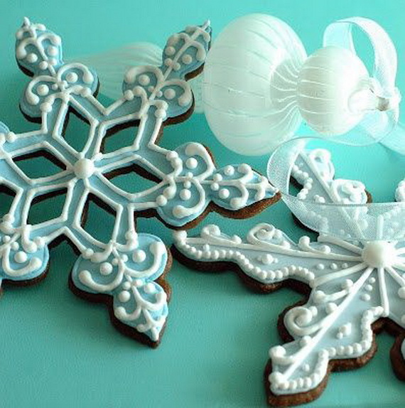 Iced, Decorated, and Shaped Cookies for Holidays_09