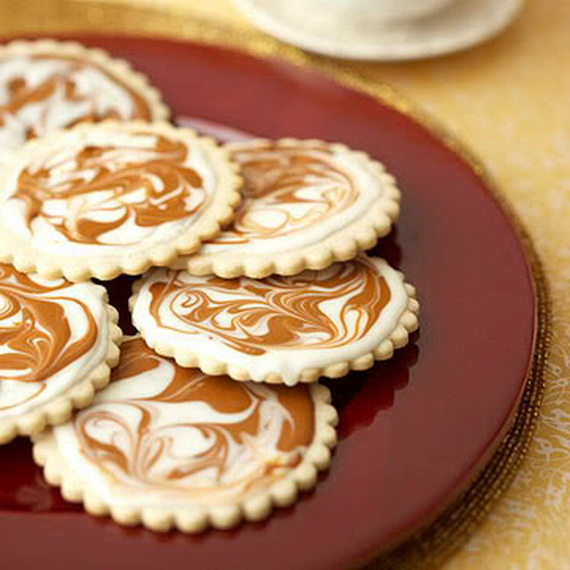 Iced, Decorated, and Shaped Cookies for Holidays_35