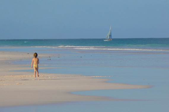 Pink-Sand-Beach-in-Harbour-Island-Bahamas-_08