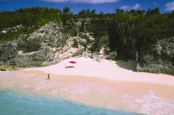 Pink-Sand-Beach-in-Harbour-Island-Bahamas-_14